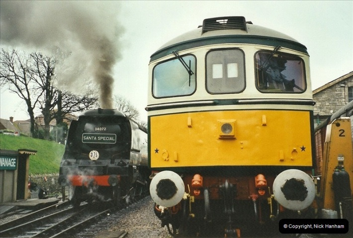 2002-12-14 Driving the DMU on Santa Specials.  (2)238