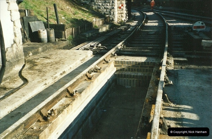 2003 01-15 New pit for engine shed road (5)465