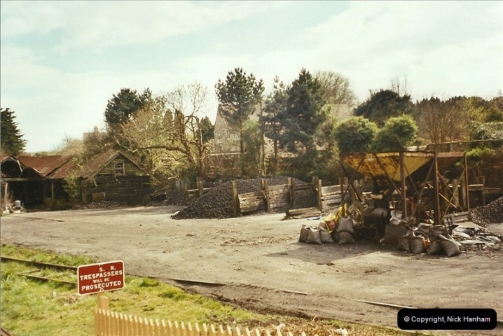 2003-04-15 Corfe Castle coal yard.  (2)327