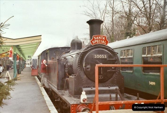 2003-12-23 Santa Specials driving 30053.  (1)449