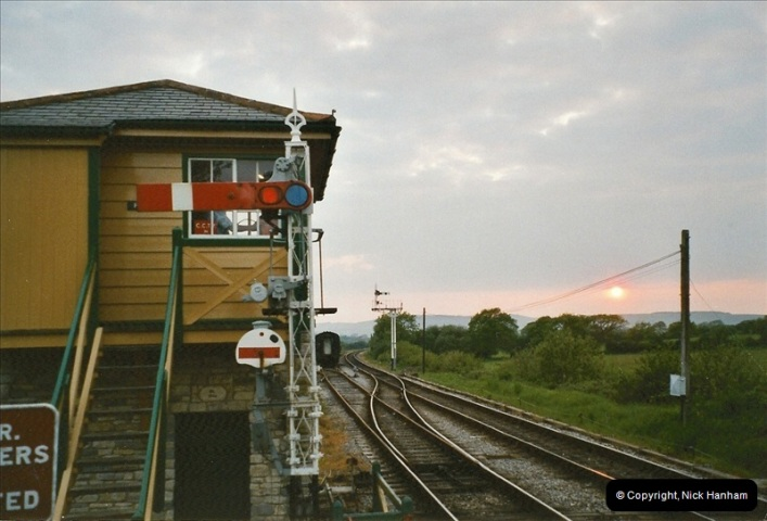 2004-05-26 80104 on the dining train @ Harmans Cross.  (1)523