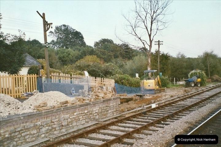 2004-09-10 Platform extensions @ Corfe Castle.  (1)580