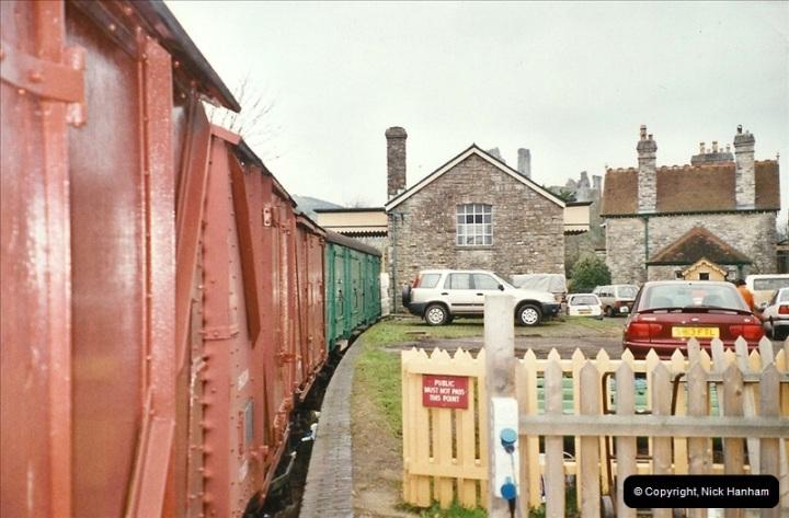 2004-11-30 Corfe Castle station.  (8)667