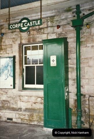 2004-11-30 Corfe Castle station.  (9)668