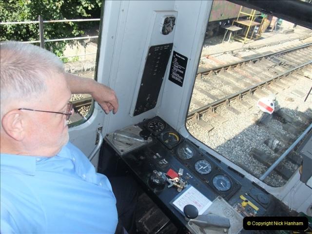 2009-07-24 More late turn DMU.  (13)0650