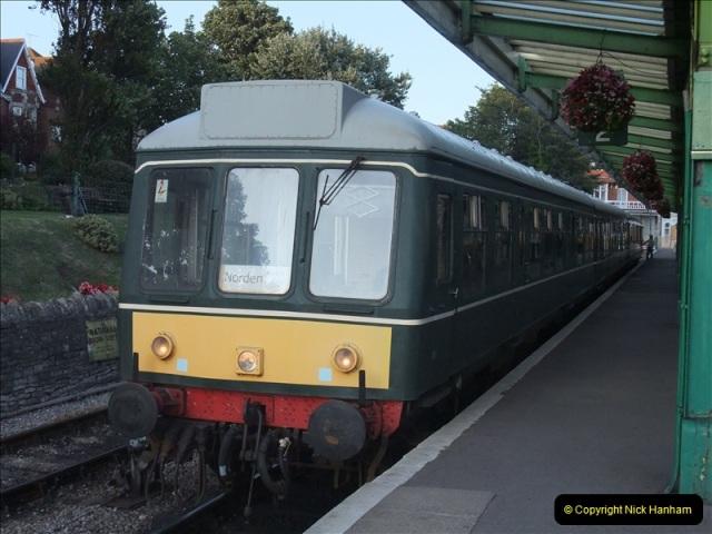 2009-07-24 More late turn DMU.  (24)0661