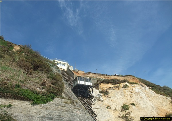 2016-05-05 Recent cliff fall in Bournemouth causing damage to the Victorian Cliff Lift. (1)086