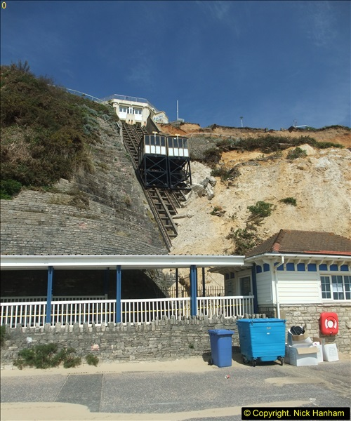 2016-05-05 Recent cliff fall in Bournemouth causing damage to the Victorian Cliff Lift. (5)090