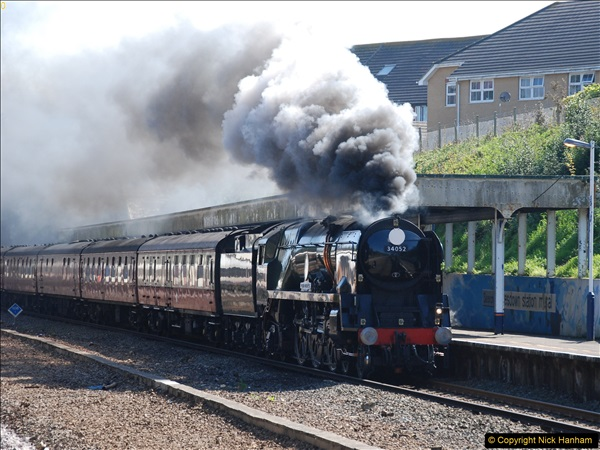 2017-04-08 34046 Braunton as 34052 Lord Dowding at Pokesdown, Bournemouth, Dorset. (6)114