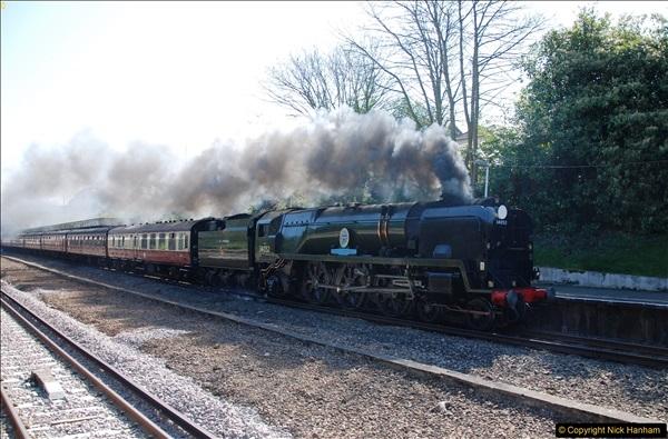 2017-04-08 34046 Braunton as 34052 Lord Dowding at Pokesdown, Bournemouth, Dorset. (10)118