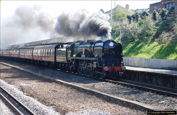 2017-04-08 34046 Braunton as 34052 Lord Dowding at Pokesdown, Bournemouth, Dorset. (8)116