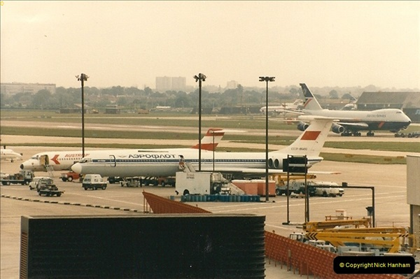 1986-06-21 London Heathrow Airport.  (3)041