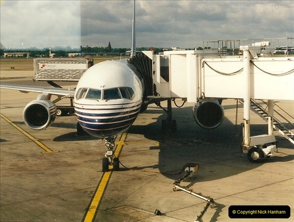 1995-07-17. London Gatwick Airport.  (4)163