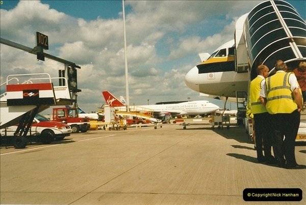 2000-05-20 London Gatwick Airport.  (3)209
