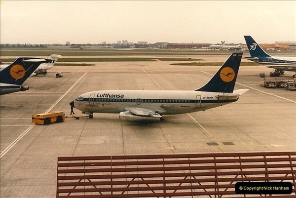 1986-06-21 London Heathrow Airport.  (10)048
