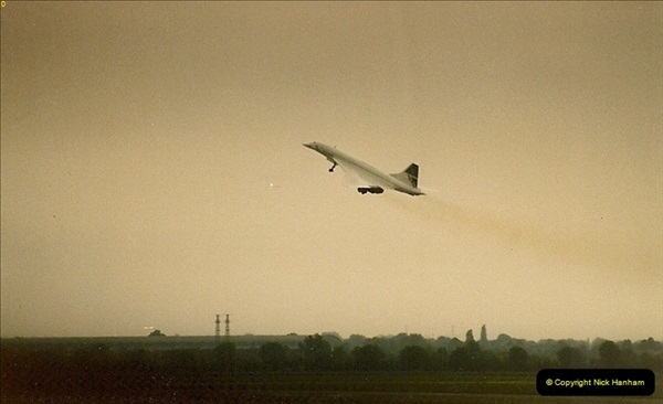 1986-06-21 London Heathrow Airport.  (1)039
