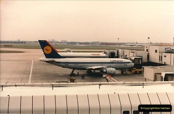 1986-06-21 London Heathrow Airport.  (2)040