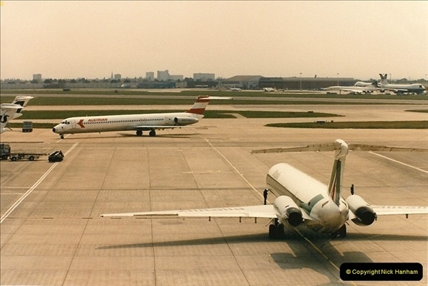1986-06-21 London Heathrow Airport.  (45)083