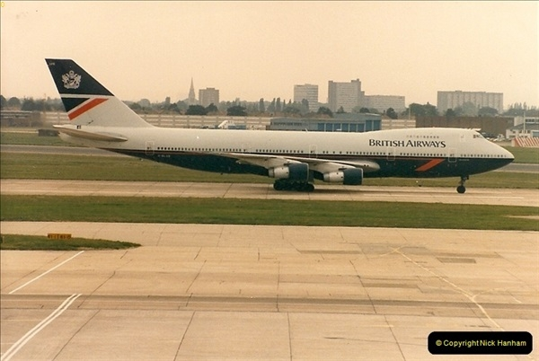 1986-06-21 London Heathrow Airport.  (9)047