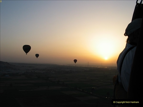 2006-05-14 Valley of The Kings Baloon flight, Egypt.  (17)384