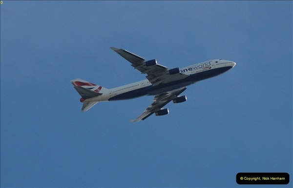 2012-10-07 Planes over London.  (4)082