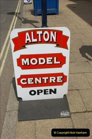 2010-05-19 Alton Model Centre (2)004004
