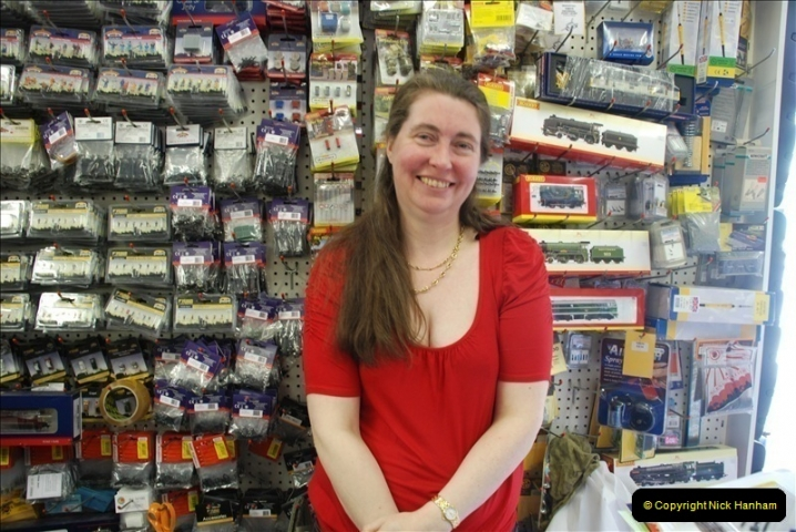 2010-05-19 Alton Model Centre & Caroline. (4)002002