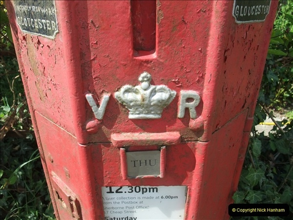 2010-06-24 Holwell, Dorset. Possibly the Worlds oldest working pillar box (5)409
