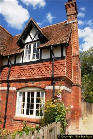 2015-07-31 Avebury, Wiltshire.  (83)83