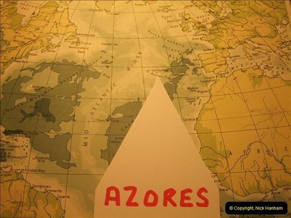 2012-09-21 Azores. London Gatwick Airport.  (1)0001