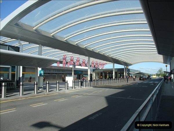 2012-09-21 Azores. London Gatwick Airport.  (4)0004