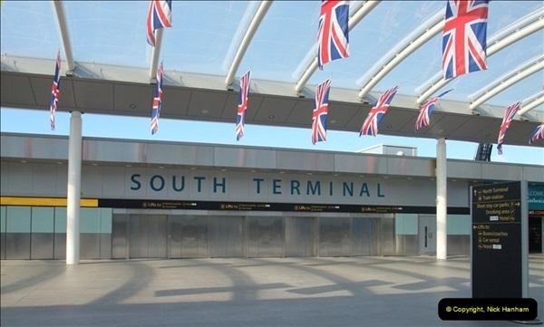 2012-09-21 Azores. London Gatwick Airport.  (7)0007
