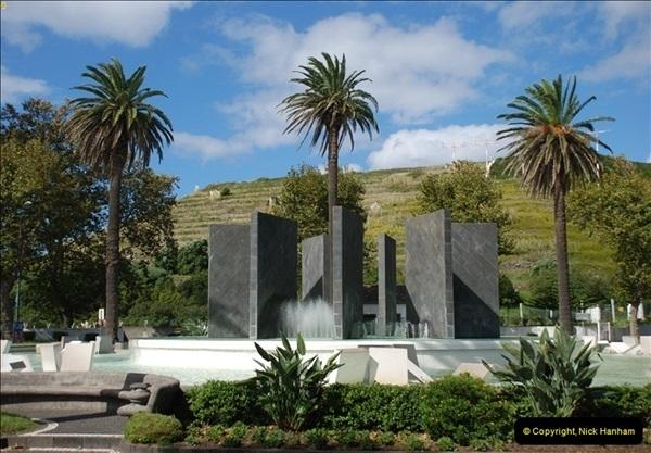 2012-09-23 to 25 Azores. Ponta Delgada.  (280)0300