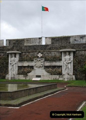 2012-09-23 to 25 Azores. Ponta Delgada.  (84)0104