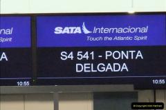 2012-09-21 Azores. London Gatwick Airport.  (9)0009
