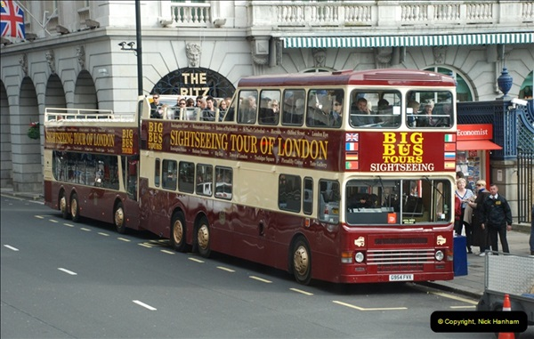 2012-10-07 Ride on LT12 GHT Borismaster. Route 38 Victoria to Hackney Central.  (43)48