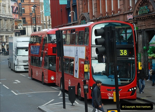 2012-10-07 Ride on LT12 GHT Borismaster. Route 38 Victoria to Hackney Central.  (48)53
