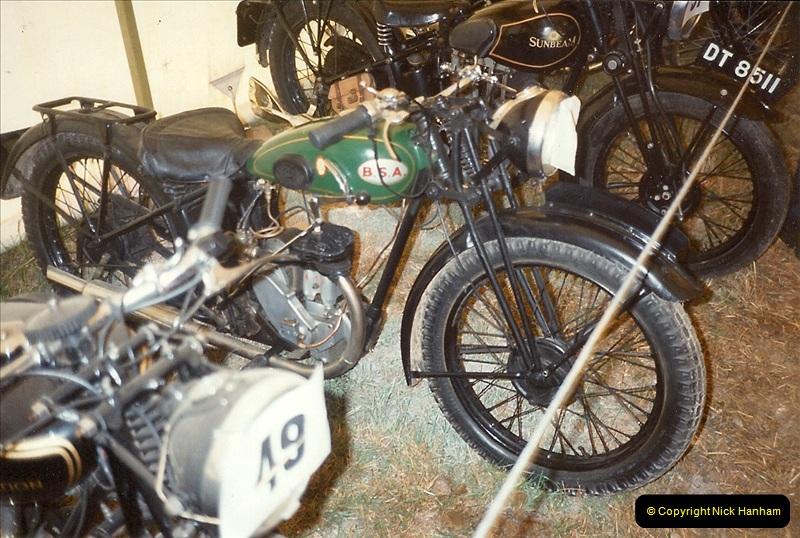 1993-11-25 A retirement restoration project. BSA 250cc 1937 machine. (1)001