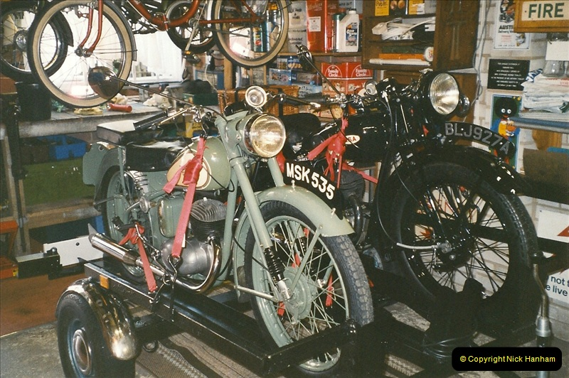 2005-05-05 Bikes and trailer.  (3)105