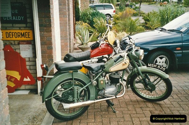 2005-06-20 to 2005-11-05 Bikes.  (1)146