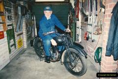 1993-11-25 A retirement restoration project. BSA 250cc 1937 machine. (3)003