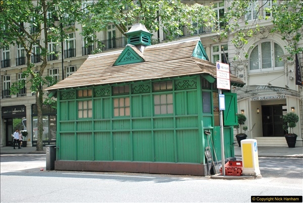 2018-06-09 Cabman's Shelter in Thurloe Place, London SW7.  (1)01