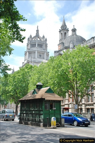 2018-06-09 Cabman's Shelter in Thurloe Place, London SW7.  (2)02
