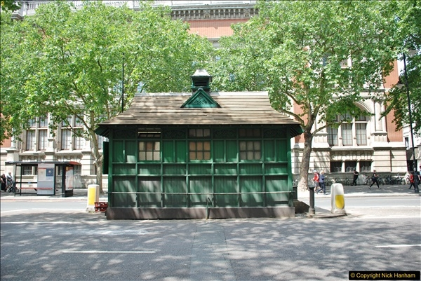 2018-06-09 Cabman's Shelter in Thurloe Place, London SW7.  (3)03