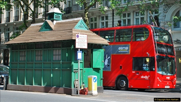 2018-06-09 Cabman's Shelter in Thurloe Place, London SW7.  (8)08