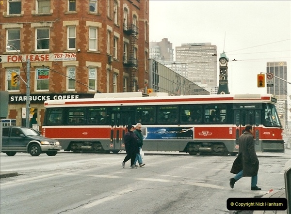 Canada November  2001. 1 (10)001