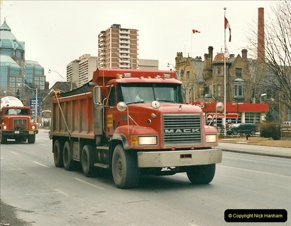 Canada November  2001. 1 (11)001