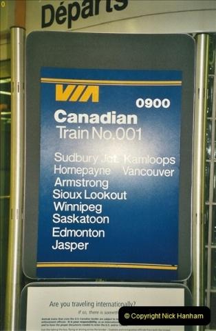 Canada November  2001. 1 (24)001