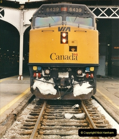 Canada November  2001. 1 (27)001