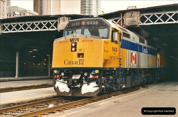 Canada November  2001. 1 (28)001